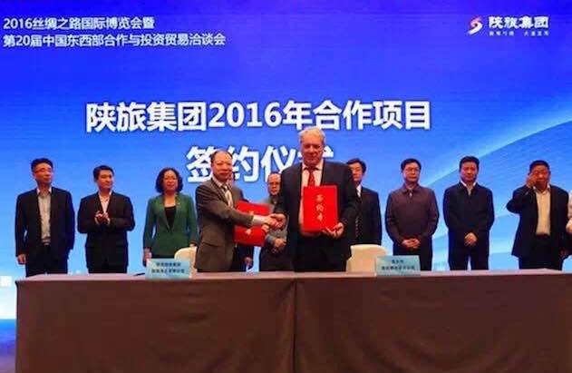 SIGNED THE PRELIMINARY AGREEMENT FOR THE THEATER AND THE CHINESE SHOW IN VENICE